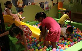 儿童乐园、亲子游戏开启愉快的休闲旅程