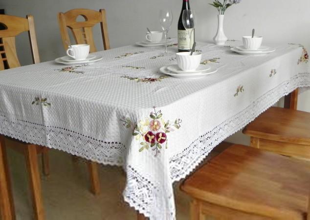 家用餐桌布哪种好?