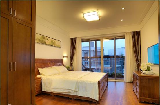 带阳台的主卧室香港六和彩历史开奖记录欣赏