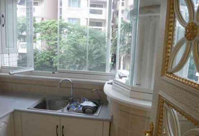 厨房生活阳台装修的方法
