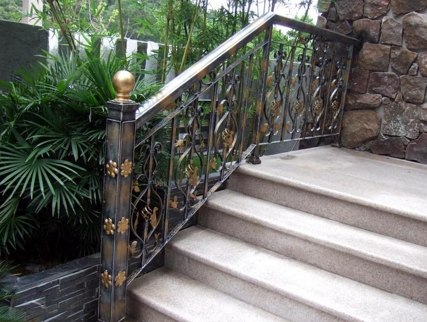 铁艺楼梯多少钱 铁艺楼梯报价大全
