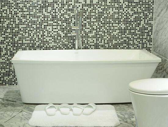 浴缸材质有哪些