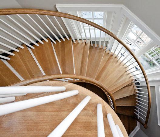 旋转楼梯价格贵不贵 旋转楼梯尺寸是多少