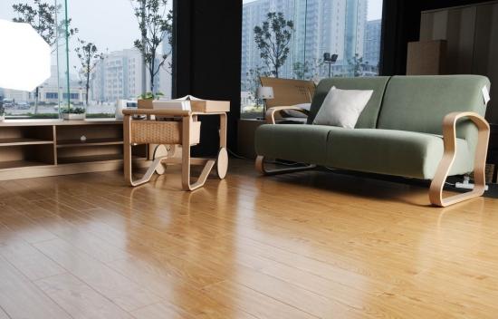 实木地板、实木复合地板、强化地板哪种好?
