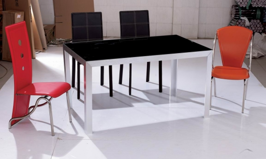钢化玻璃餐桌保养技巧
