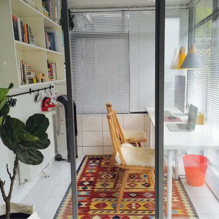 两房式打造现代小书房!