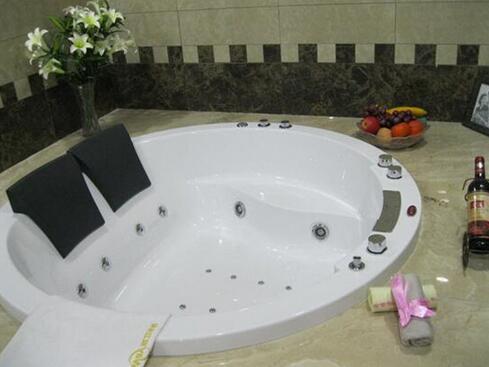 圓形沖浪浴缸價格 圓形沖浪浴缸品牌