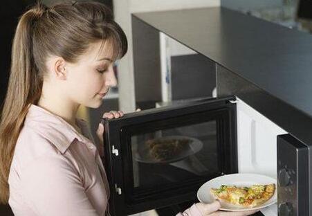 微波炉热饭的危害有哪些?
