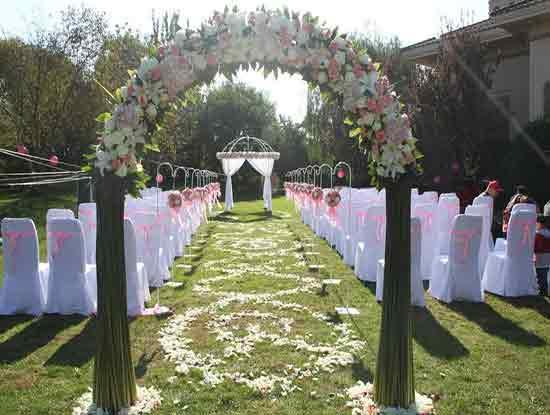 草坪婚礼主题策划