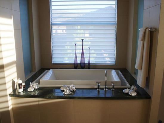 磚砌浴缸高度大概多高?