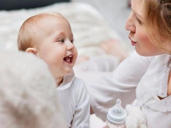 婴儿没母乳吃奶粉好吗