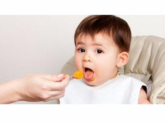 宝宝六个月如何吃辅食