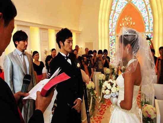 婚礼司仪多少钱呢