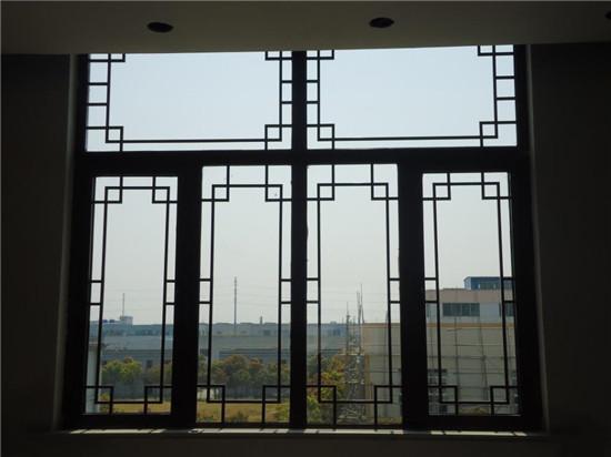 仿古木门窗主要材质种类有哪些?