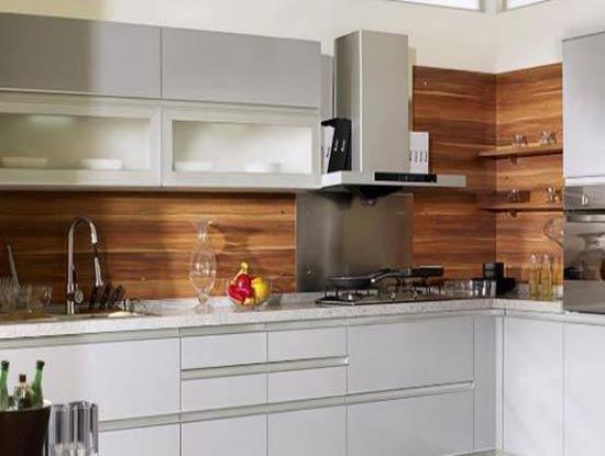 玻璃橱柜高清效果图,让厨房一点儿也不油腻