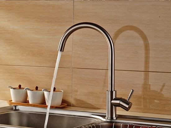 如何安装厨房水龙头