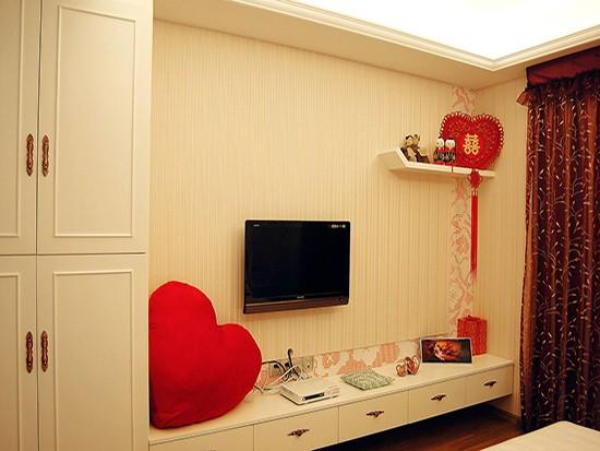 侧卧婚房装修墙纸