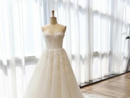 孕妇怎么选婚纱