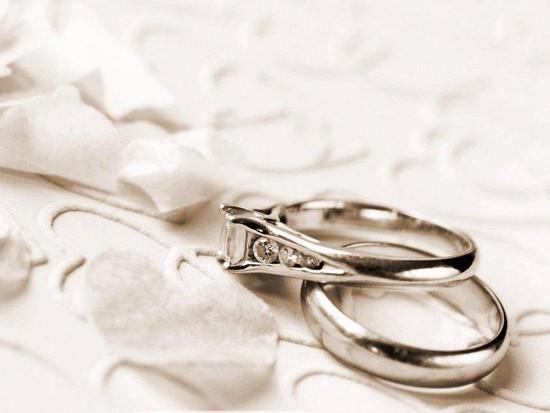 结婚戒指价格一般多少钱
