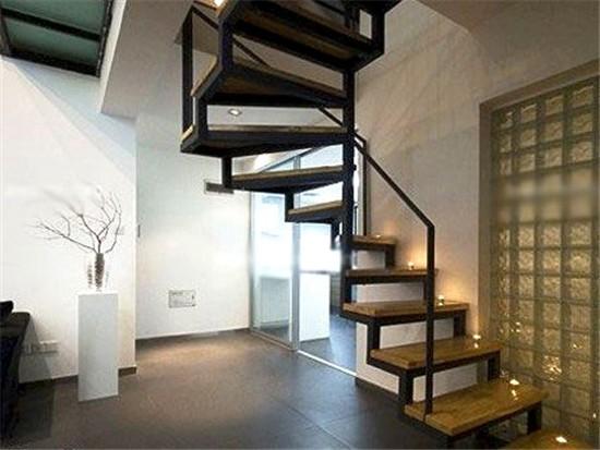 钢木楼梯每平米多少钱