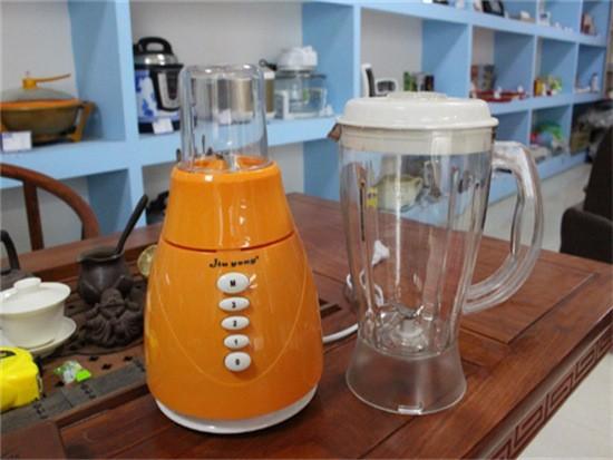 果汁机和榨汁机哪种好