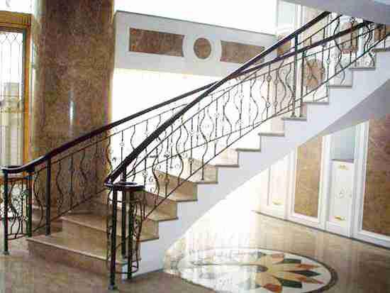 铁艺楼梯图片