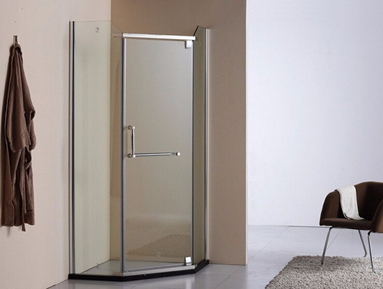 最小淋浴房尺寸
