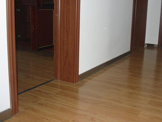 瓷砖踢脚线材料
