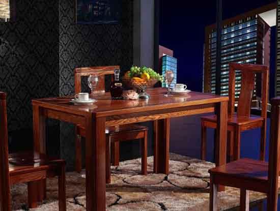 榆木实木餐桌餐椅,彰显你的品位与格调