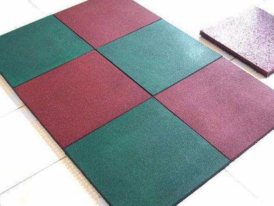 家用塑胶地板合适吗
