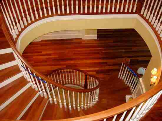 旋转楼梯宽度尺寸是多少