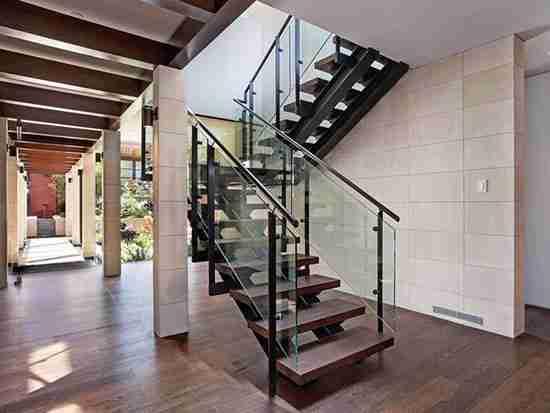 室内楼梯防护玻璃选购注意事项