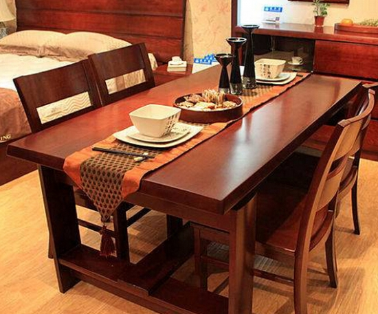实木餐桌好不好