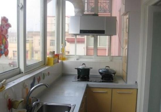 阳台做厨房的装修怎么考虑呢