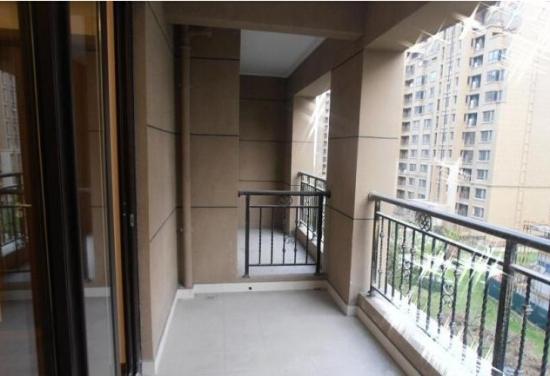 小高层阳台装修的介绍