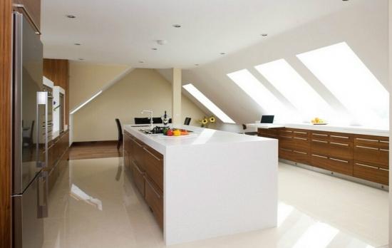 斜顶阁楼厨房装修