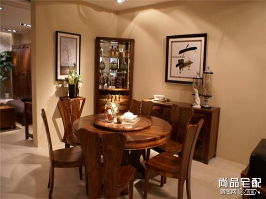 红木餐桌保养小技巧 新年过节不担心沾污家具