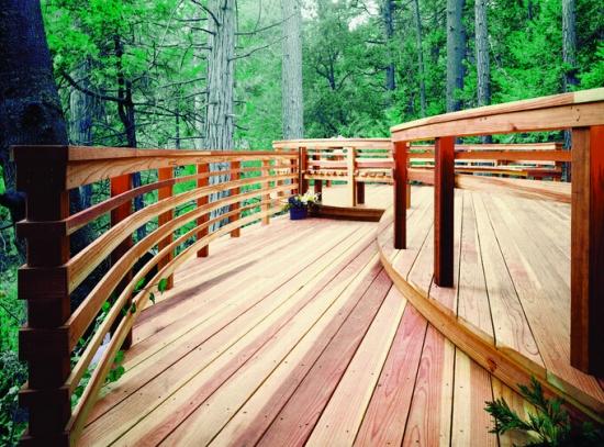 室外防腐木楼梯保养知识