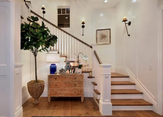 室内实木楼梯保养知识分享