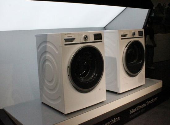 西门子滚筒洗衣机怎么清洗衣服