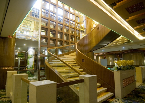 室内旋转楼梯价格一般多少