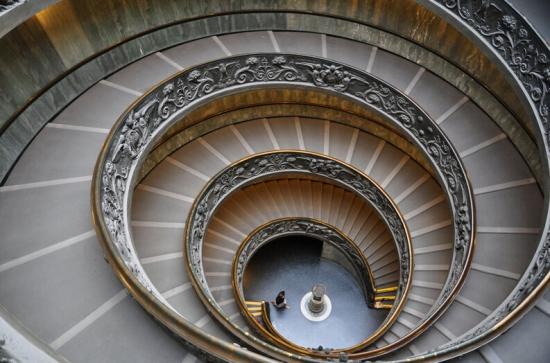旋轉樓梯價格貴不貴