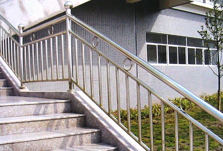 室外不锈钢楼梯 不锈钢楼梯扶手