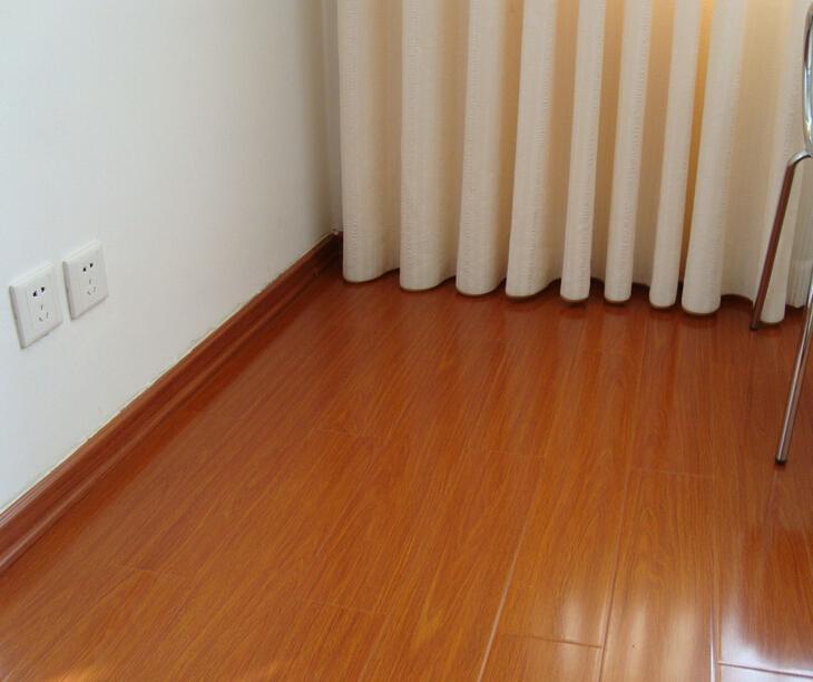 强化木地板价格表 强化复合地板图片