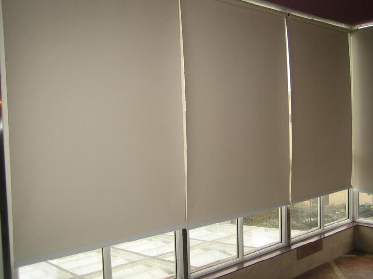 卷帘窗帘价格介绍 卷帘式窗帘好用吗