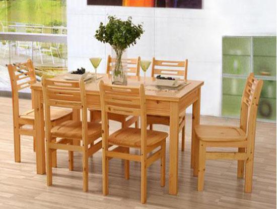 松木餐桌图片
