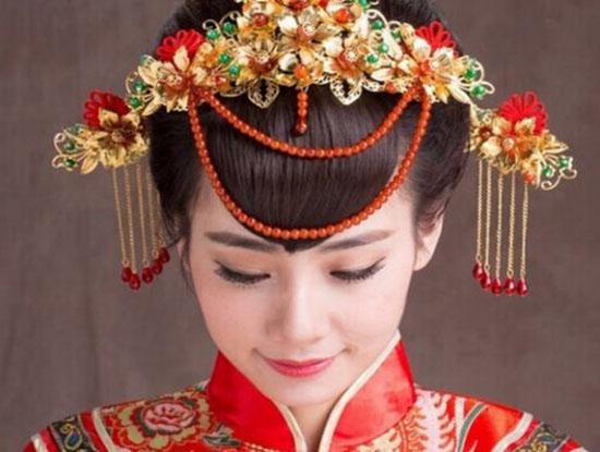 2017新娘中式发型