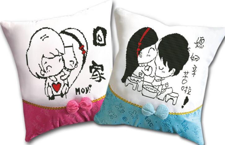 情侣卡通抱枕