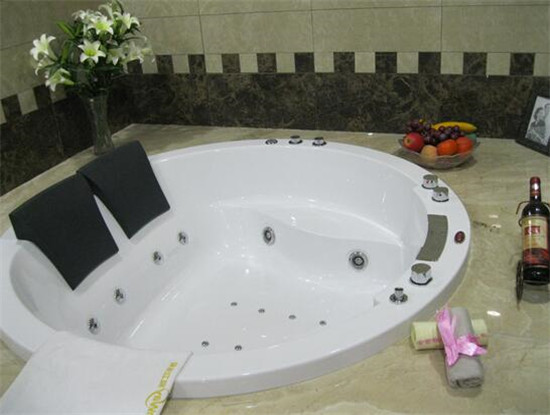 浴缸尺寸是哪些