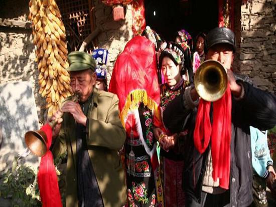 四川藏族�Y婚的�L俗有哪些